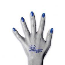 Hand mit blau Fingernägel, Logo Netzwerkfrauen
