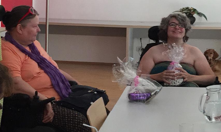 ehemalige Sprecherinnen bekamen ihre Abschiedsgeschenke